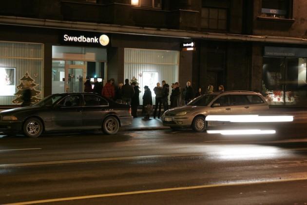Jautāts kas varētu izplatīt... Autors: pofig Ziņas par Swedbank ir baumas?
