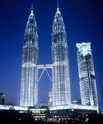 3 vieta  Petronas Towers... Autors: HollywoodHill Top 10 augstākie torņi