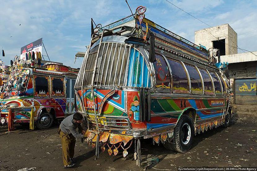 Lielu daļu brīvo laiku... Autors: Administrācija Pakistānas autobusu parks