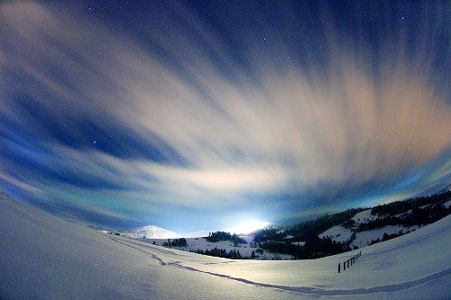 Autors: atnom Winter.
