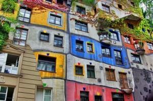 Daudzkrāsaina māja Vīnē Vīnē... Autors: Nikon259 Dažas ļoti interesantas celtnes pasaulē