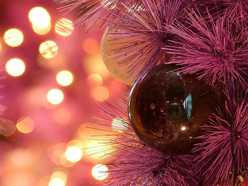 Ziemassvētku naktī baltā Atjāj... Autors: cezijscs Jautri dzejolīši + ziemassvētku attēli