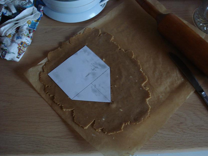 Lielās detaļas rullēju pa... Autors: sierdesmaize Piparkūku mājiņa!
