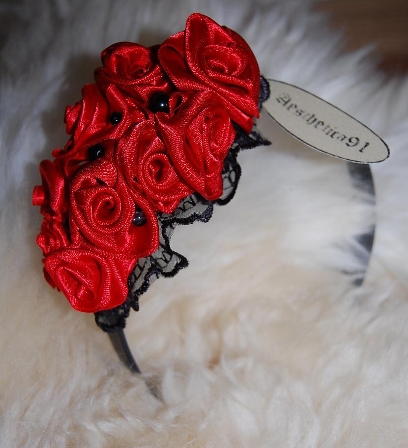 Matu stīpiņa ar sarkanām rozēm... Autors: Aesthetica Aesthetica91