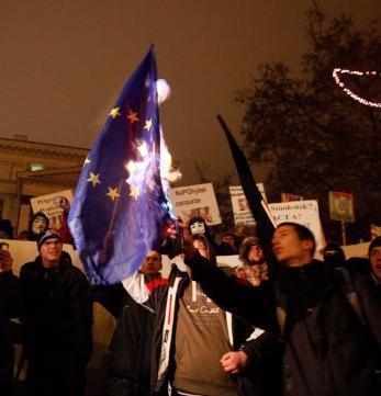 Polijā vairāki tūkstoši... Autors: Fosilija ACTA ir klāti un internetam lielas briesmas nāk !