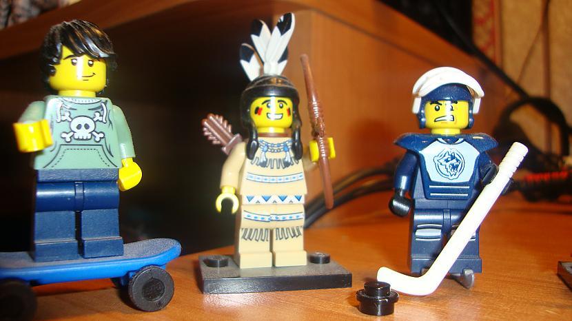 Pieliku vel mazliet bildes lai... Autors: Fosilija Mani ''Lego'' cilveciņi (Minifigure
