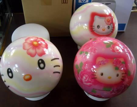Hello Kitty boulinga bumba Autors: AldisTheGreat 12 Satriecošākās boulinga bumbas.