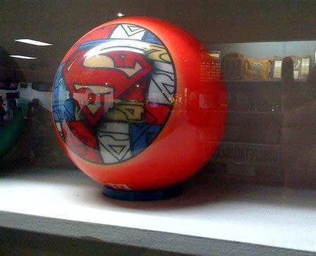 Supermena bumba Autors: AldisTheGreat 12 Satriecošākās boulinga bumbas.