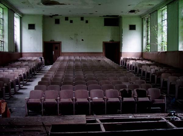 Skolas auditorīja jeb kā... Autors: Kobis [1. daļa] Pamestas vietas...
