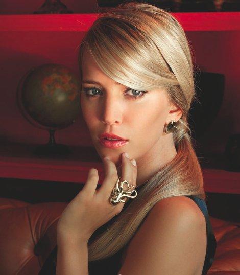 Viņa ir modeleaktrise un... Autors: magone1399 Luisana Lopilato
