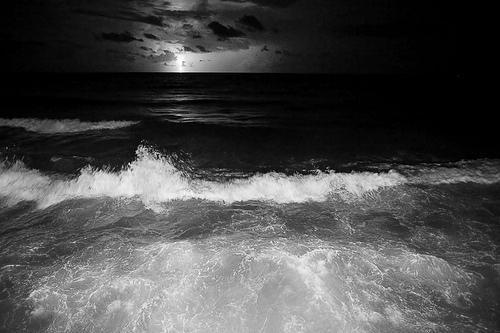 un ar viļņiem lai aizšalc... Autors: BellisimaChica love is gone.