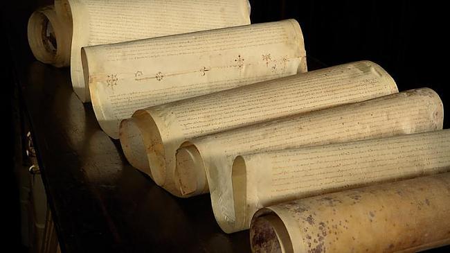 Pergamenta rullis kurā... Autors: EziitisPsihopaats Vatikāna slepenais arhīvs. Inkvizīcija.