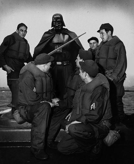 Autors: Xmozarus Supervaroņi vecajās kara bildēs