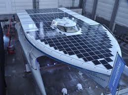 Vienu mēnesi uz klāja atradās... Autors: robinstt Ar saules enerģiju darbināma laiva apceļo pasauli