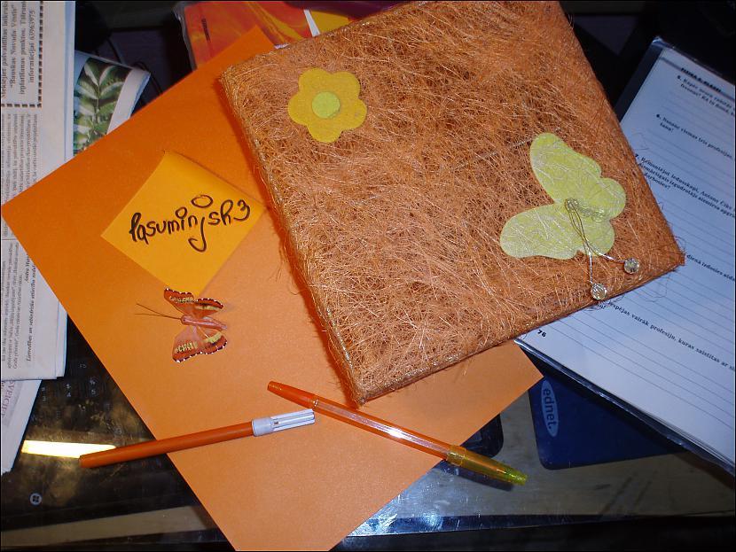 Autors: dudish *FS* 5 oranži priekšmeti. [edit]