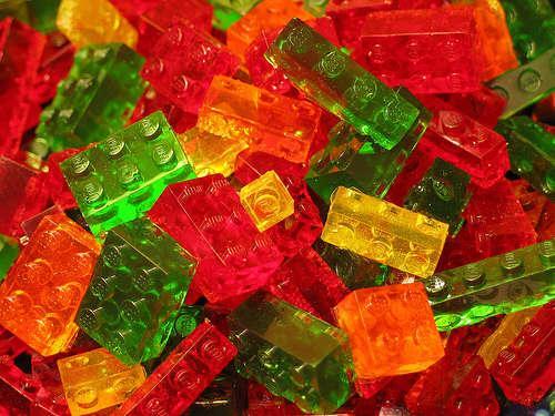 Lego ko tur vairāk piebilst... Autors: Greyshadow Top 10 lietas, kas veidotas no gumijas.