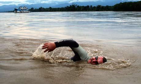 Martin Strel apceļojot upes ar... Autors: littleradical Martin Strel maratonu peldētājs