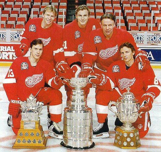 """nbspquotRussian Fivequot... Autors: Hokeja Blogs Četri spēlētāji no """"Red Wings"""" """"Krievu piecinieka"""" pieda"""