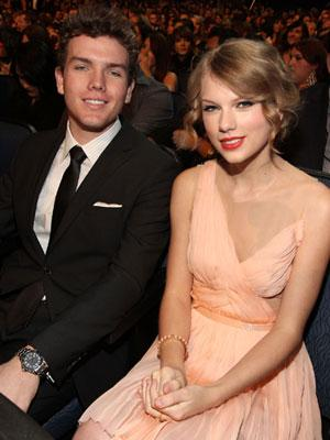 Taylor Swift amp Austin Swift Autors: Agresija Slavenības