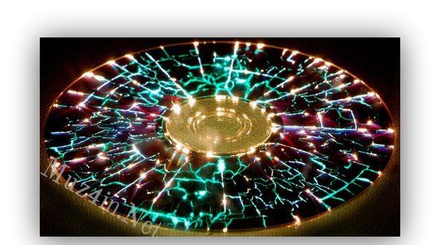 Ieliks disku mikroviļņu krāsnī Autors: Fosilija Liec disku mikroviļņu krāsnī