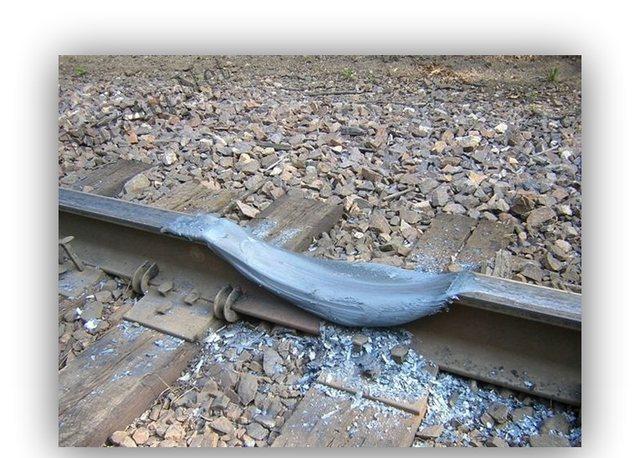 Vilciens buksēs Autors: Fosilija Liec disku mikroviļņu krāsnī