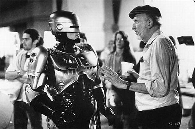 """Autors: ORGAZMO Kā tika filmēts """"Robocop's"""""""