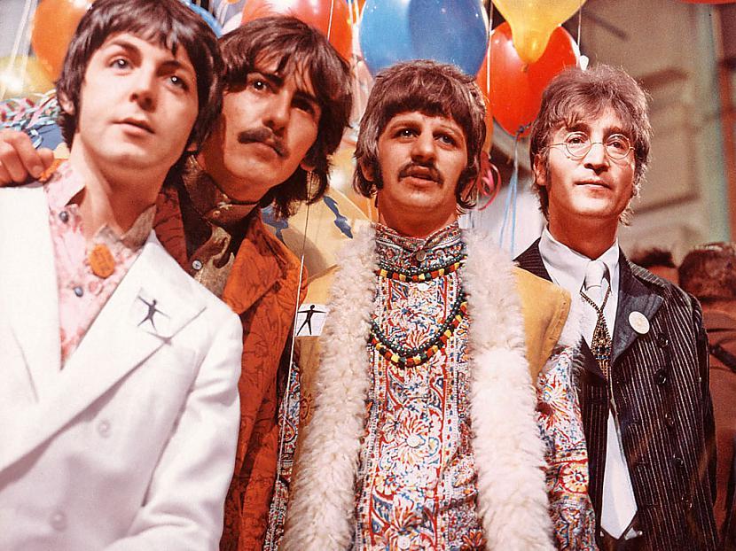 Paldies ka iemetāt aci manā... Autors: jankelliitis The Beatles