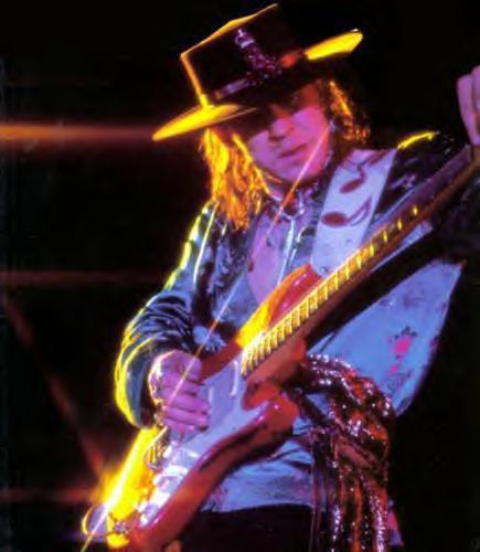 7Stevie Ray Vaghan1980gadānbsp... Autors: jankelliitis Top 10 leģendārie ģitāristi
