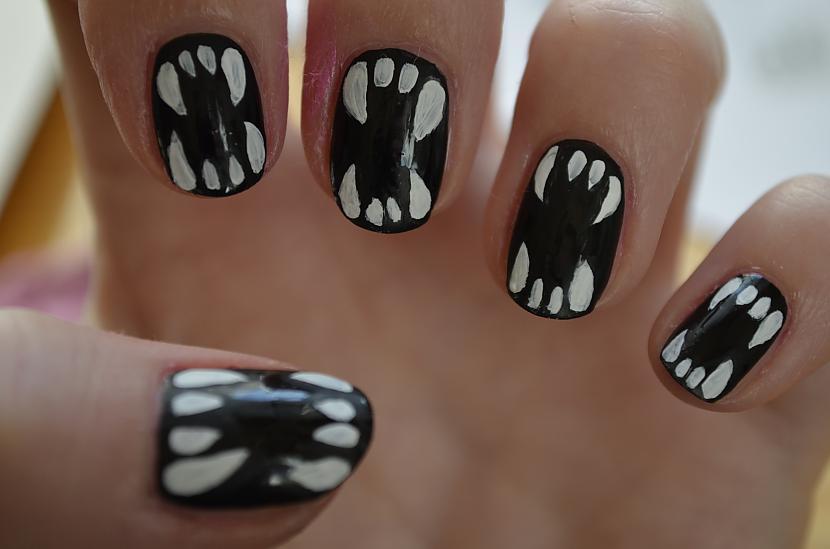 Ar melno krāsu zobus var... Autors: Gruzze DIY Halloween Nails