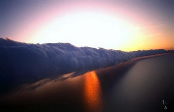 Autors: CASTALDO Debesu viļņi