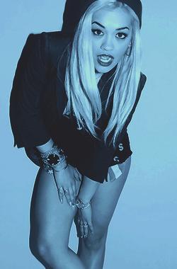 Autors: Stupid Hoe bilžu paka: Rita Ora