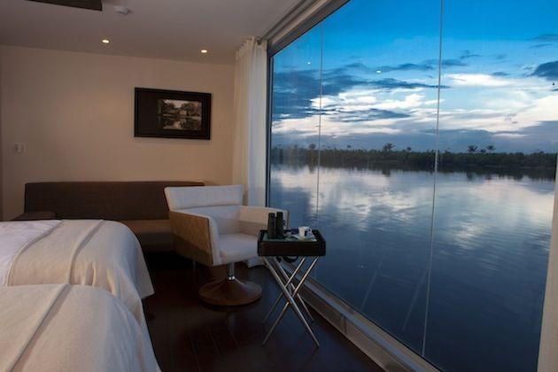 Autors: zmx Hotelis uz ūdens