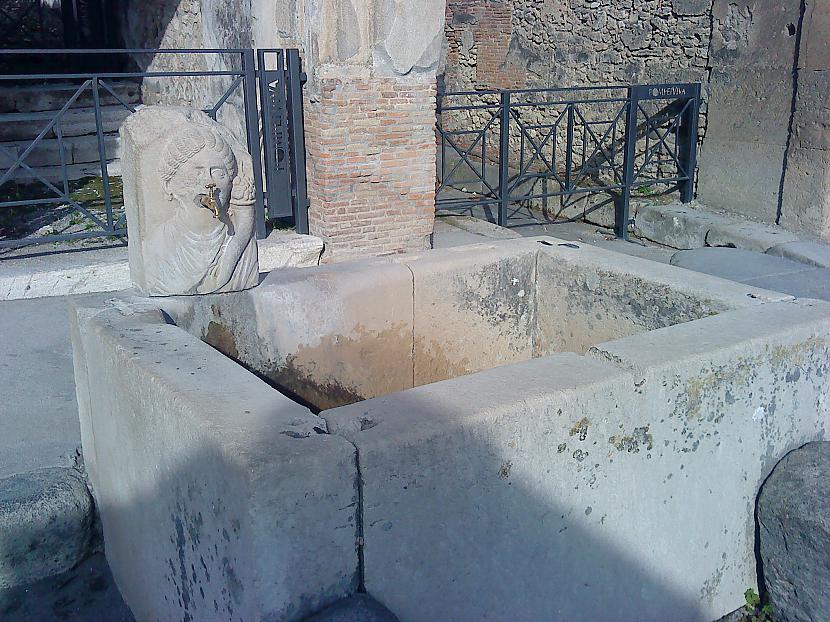 Gidi stāstīja ka pēc... Autors: diedelnieks123 Pompejas ekskursija