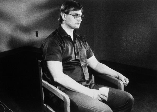 Dahmer slepkavnieciskā... Autors: Nobodijs Maniaks, kuru pašu nogalināja.