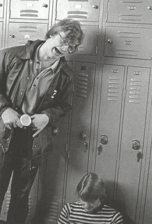 Arī vidusskolas laikā Džefrijs... Autors: Nobodijs Maniaks, kuru pašu nogalināja.