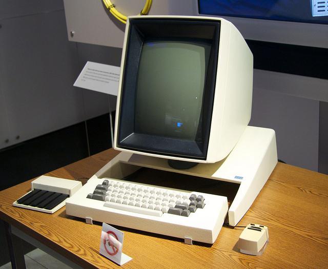 No Xerox Alto varēja izprintēt... Autors: Werkis2 Kā Apple apzaga vieglprātīgo - XeroX (XeroX Alto 1973)
