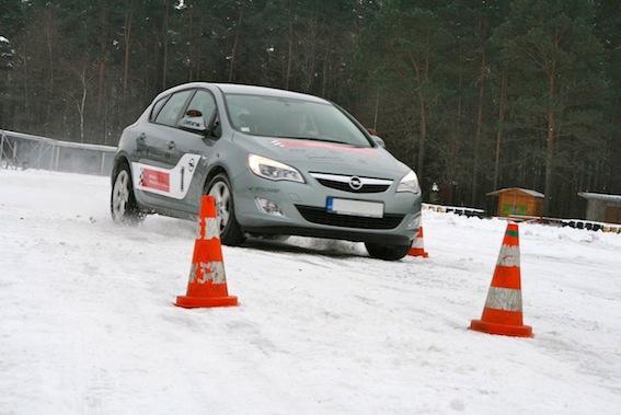 Autors: autodromslv Kā tikt galā ar sniegoto pļuru?