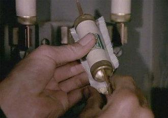 Elektriskais koscaronļeņu... Autors: Icegum MacGyver pārspīlētie izgudrojumi
