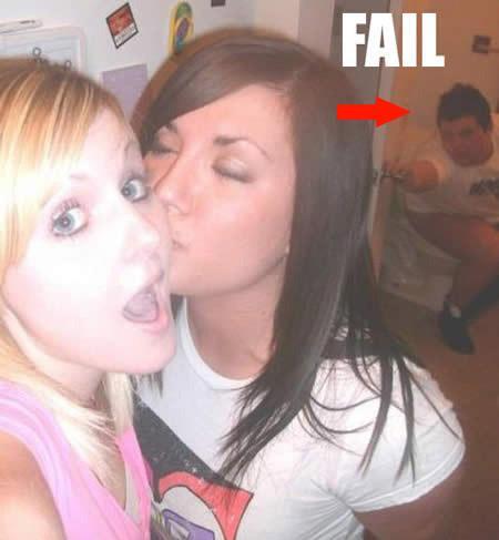 Autors: 8 Mēģināja izskatīties seksīgi FAIL! :D