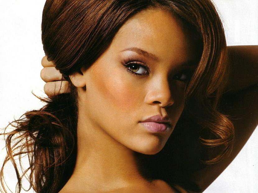 Piektā vieta Rihanna Vaiņai ir... Autors: ivarssmaidins Top 10 twittera populārākie profili.