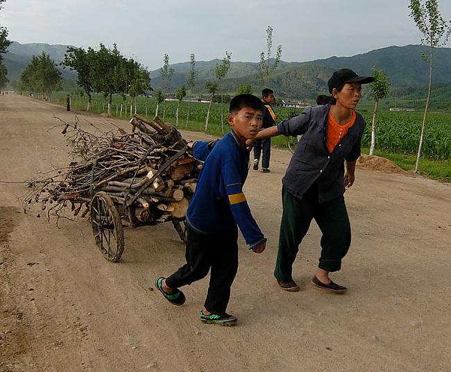 Korejiescaronu bērniem nav... Autors: Raziels Ziemeļkoreja, kāda tā ir