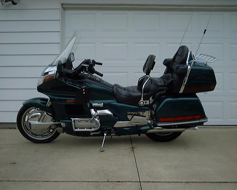 3CeļojumaCeļojuma motocikli ir... Autors: MDick Motociklu veidi.(Sekls iedalījums)