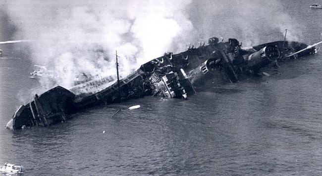Queen Elizabeth vraks Autors: Kapteinis Cerība Kuģa Queen Elizabeth bojāeja