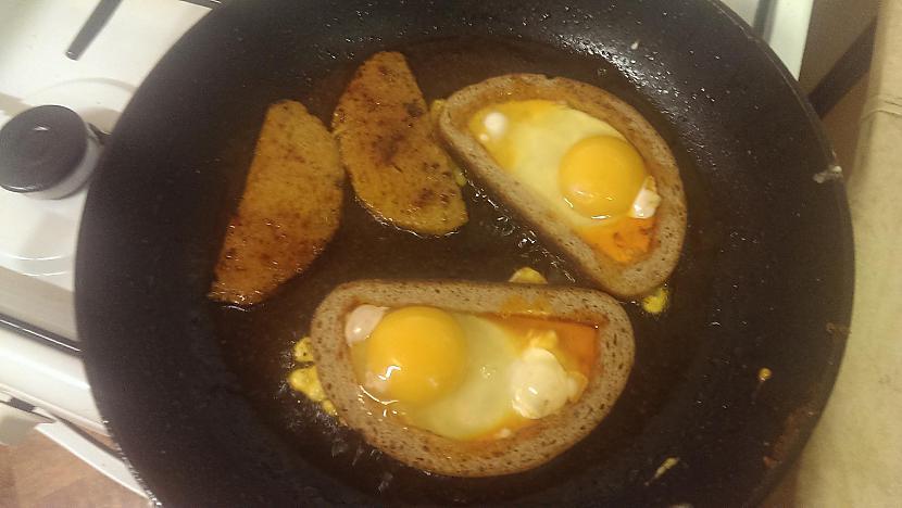 Metam uz pannas maizes... Autors: Hindenburg Nāves maizes brokastīm (vai vakariņām, vai pusdienām)
