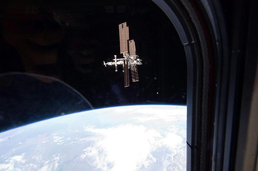 SKS  skats no Atlantis Autors: Prāta Darbnīca Neparasti attēli no Zemes orbītas