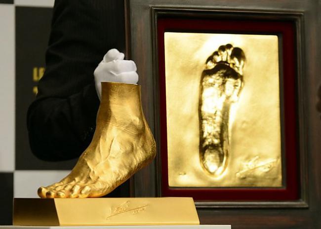 Zelta kājaDzīvoja reiz bagāts... Autors: OSERONE Latvijas sausmu stasti