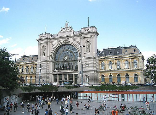 Budapescaronta Ungārija Autors: SinagogenBombardiren Dzelzceļa stacijas Eiropas galvaspilsētās