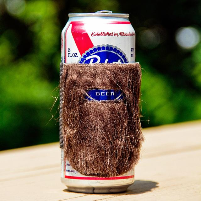 Lai nu kā būtu alus sabiedrībā... Autors: Fosilija Patiesība par alu un hormoniem. Tiešām tik vīrišķīgs?