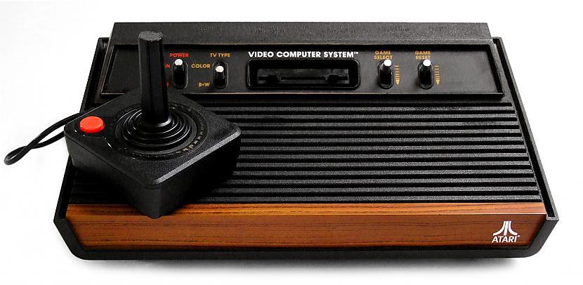 1977gadsnbspAtari 2600 Otrās... Autors: Werkis2 Sabojāti Ziemassvētki un videospēļu industrija E.T spēles dēļ (1983.g)
