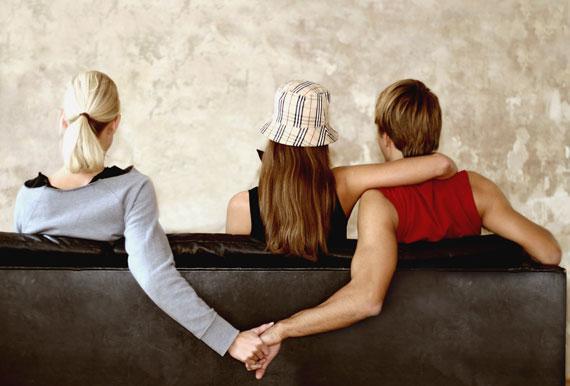 Viņa uztraucas par to ka citas... Autors: Gochix 5 lietas, ko tava meitene tev nestāstīs!